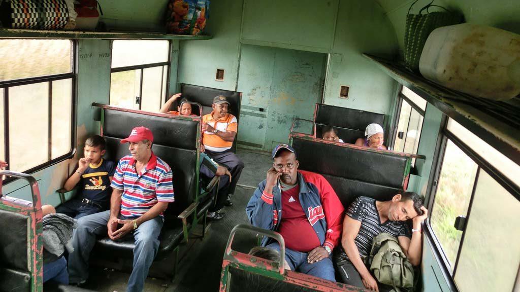Zug in Kuba