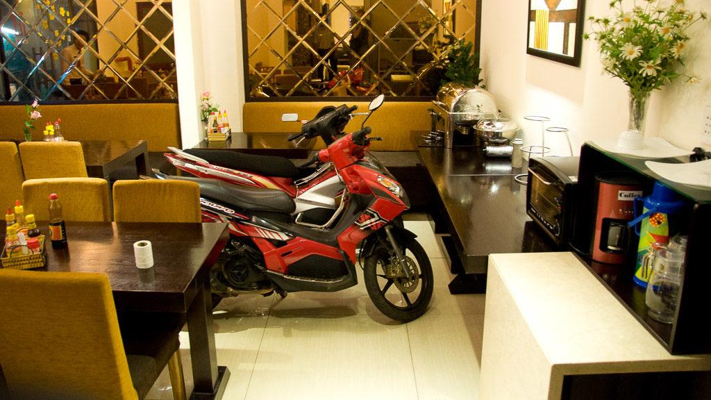 Frühstückszimmer als Garage in Vietnam