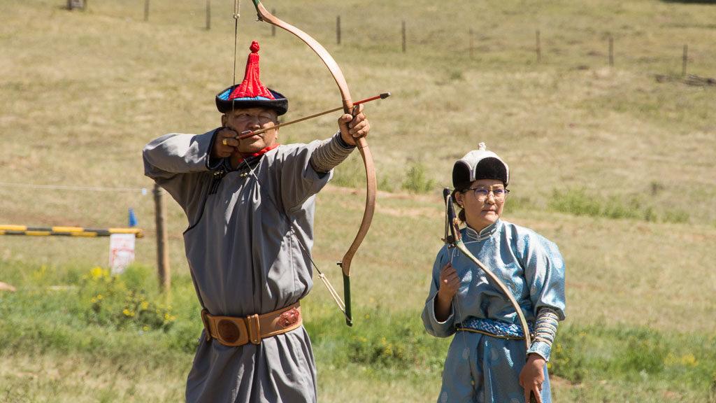 bogenschiessen-mongolei-1024x576.jpg