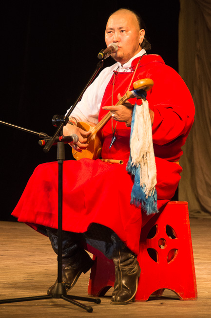 Kehlkopfgesang im Opernhaus Ulan Ude