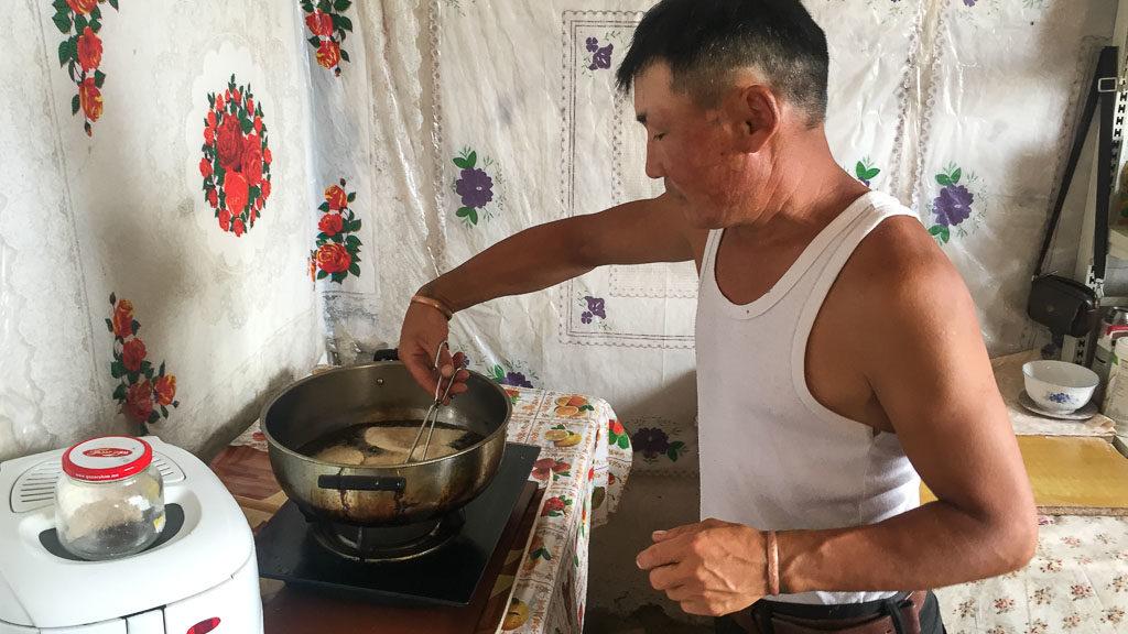 Teigtaschen Chuuschuur in der Mongolei