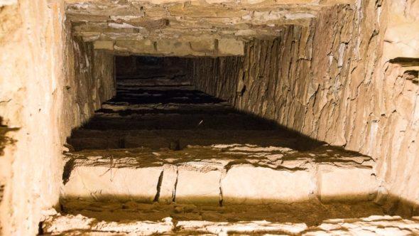 Schacht von einem Horchgang zur Oberfläche