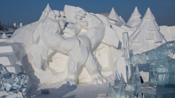 Schneefigur in der Ice & Snow World in Harbin