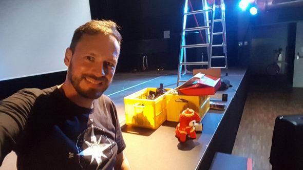 Aufbau bei der Premiere der Transsibirien Reise-Abenteuer Show