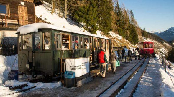 Schafbergbahn Advent Waggon