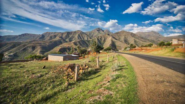 Mit dem Auto durch Lesotho während eines Roadtrips