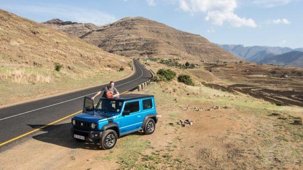Gerhard Liebenberger im Auto durch Lesotho