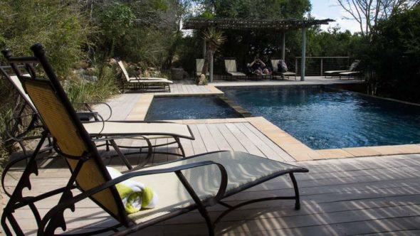 Swimmingpool im Kariega Game Reserve in der Main Lodge