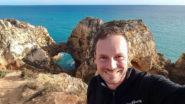 Gerhard Liebenberger an der Ponta da Piedade in Portugal