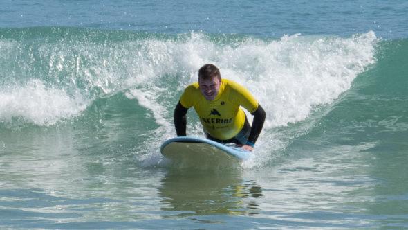 Sportliche Aktivitarten an der Algarve: Surfkurs