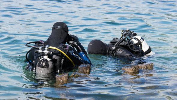 Den Körper auf das Kaltwasser Tauchen vorbereiten