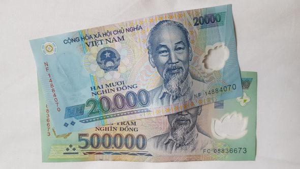 20000 Vietnamesische Dong und 500000 Vietnamesische Dong im Vergleich