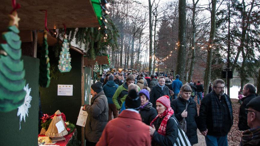 Bild: Adventmarkt am Holzöstersee